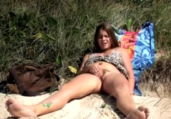 Girls masturbating on the beach