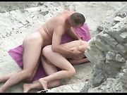 Voyeur camera caught Russian couple doing sex at the beach
