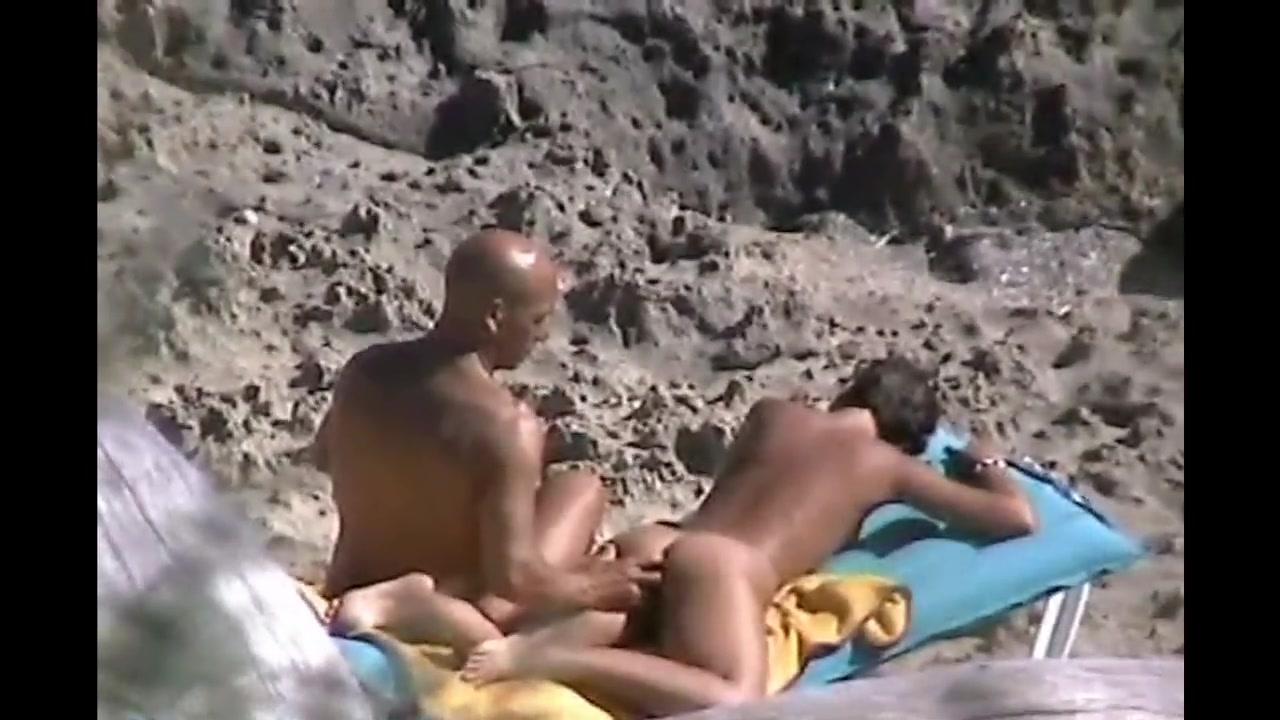 Beach Porn Film caught voyeur fingering wifes pussy at beach